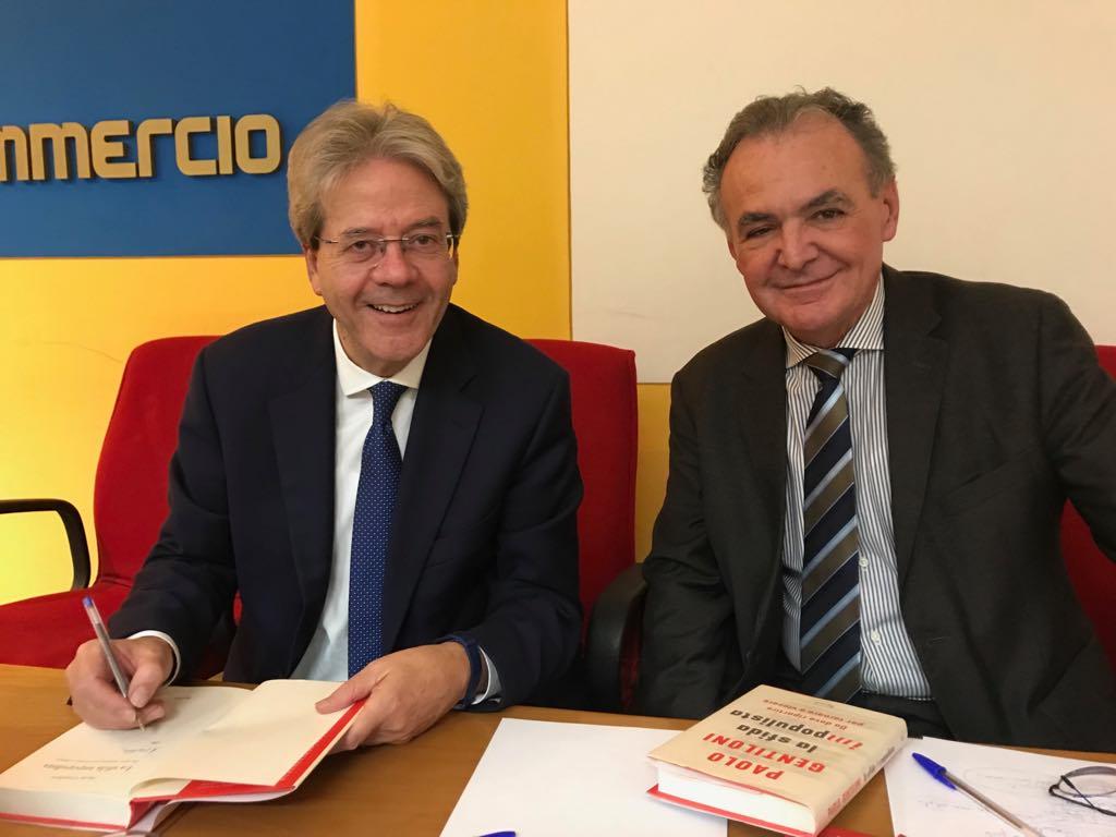 """""""Ci siamo illusi che l'espansione della democrazia fosse un processo inarrestabile"""" Paolo Gentiloni a Vercelli, martedì 18 dicembre"""