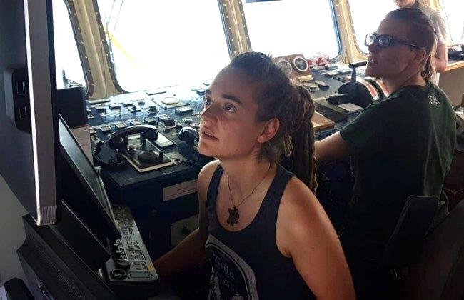 Migranti, la lezione all'Europa del Capitano della Sea Watch 3