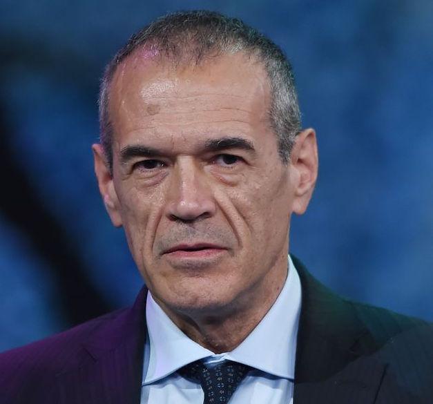 """""""Non vedo vie d'uscita per il Governo"""". Carlo Cottarelli all'Huffpost"""