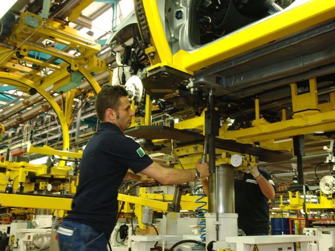 Articolo 18, con il Jobs Act calano i licenziati, 80mila in meno